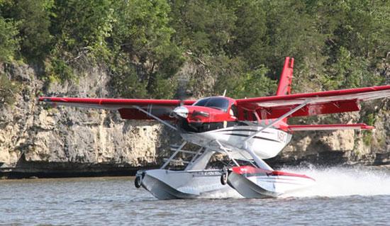 Helping Aircraft Floats Float Better Plasticomp